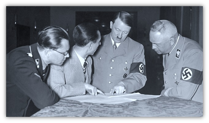 http://www.accademianuovaitalia.it/images/0-01STORICI/000-HITLER_9.jpg